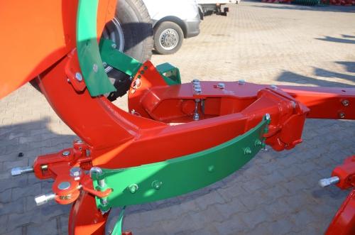 Плуги оборотные PO с рессорной защитой Agromasz