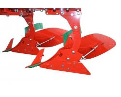 Плуги оборотные легкие PO с болтовой защитой Agromasz